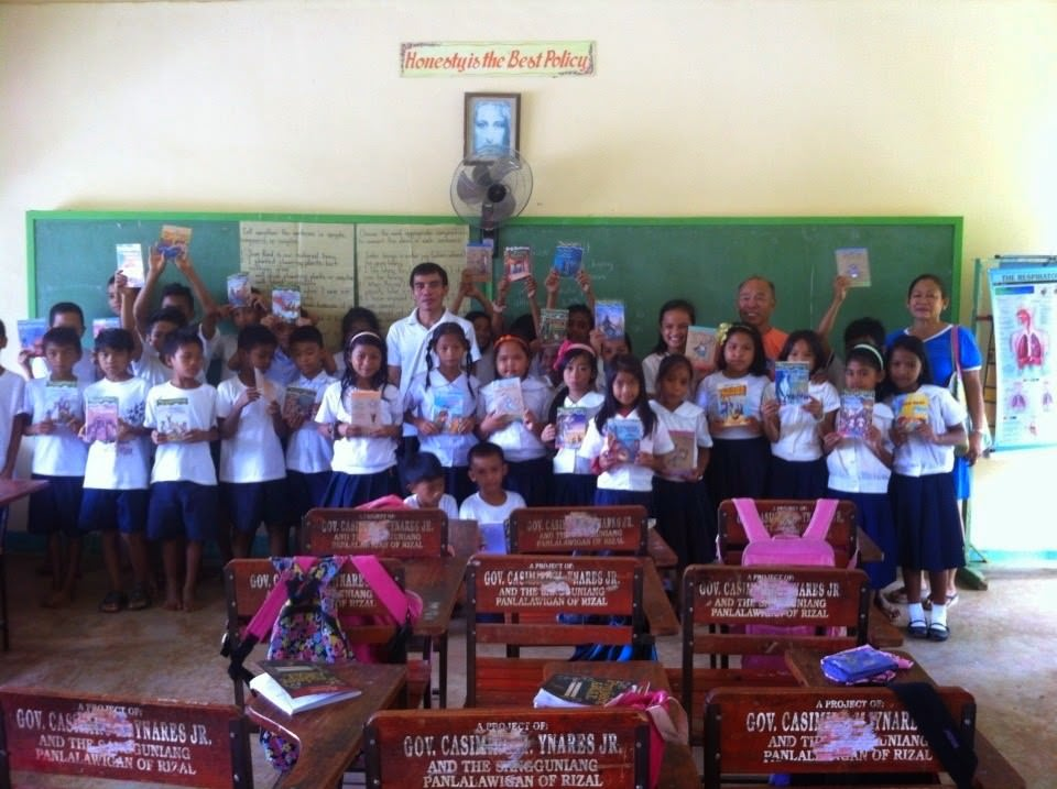 Jadelann Juan donated books in the Philippines!